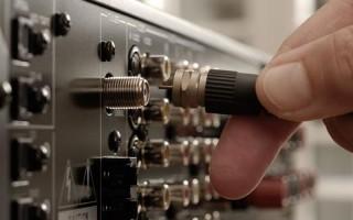 Что такое коаксиальный разъем и как правильно подключить телевизор к антенне
