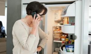 Почему холодильник включается и сразу отключается?