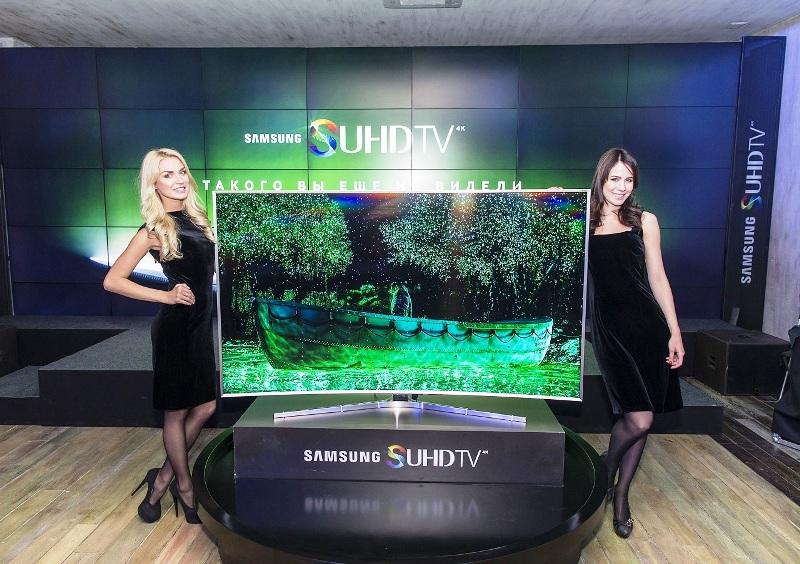 Достоинства и недостатки телевизоров с изогнутым экраном