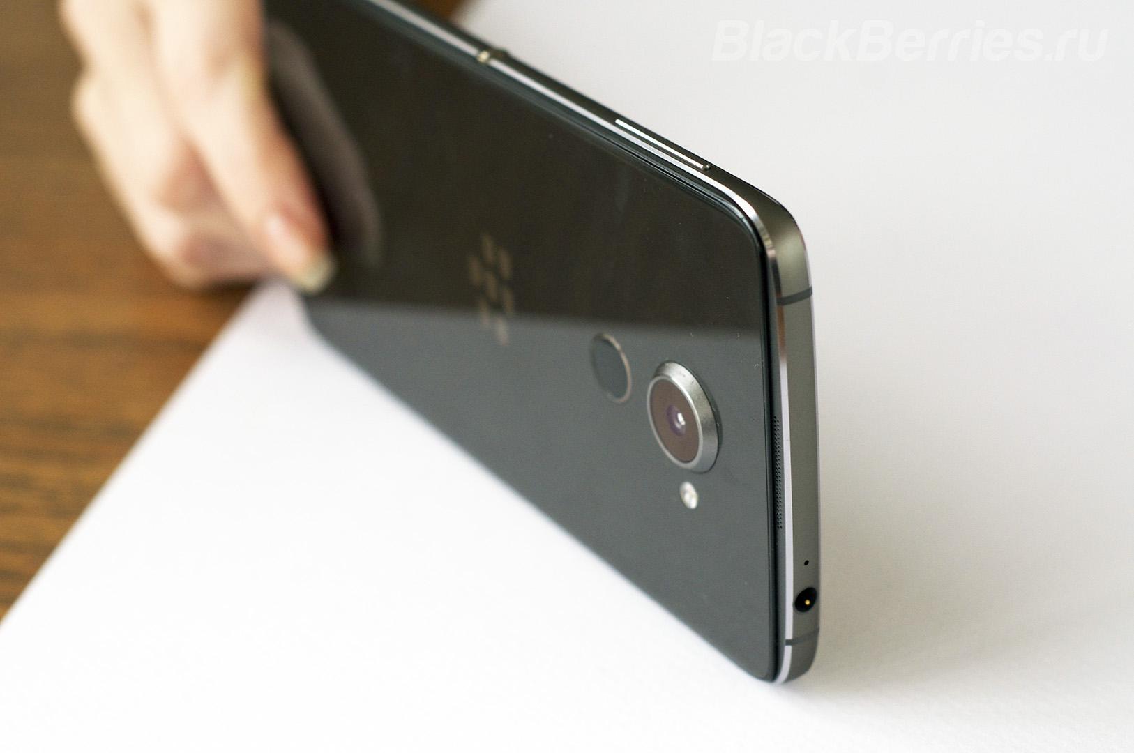 BlackBerryDTEK60