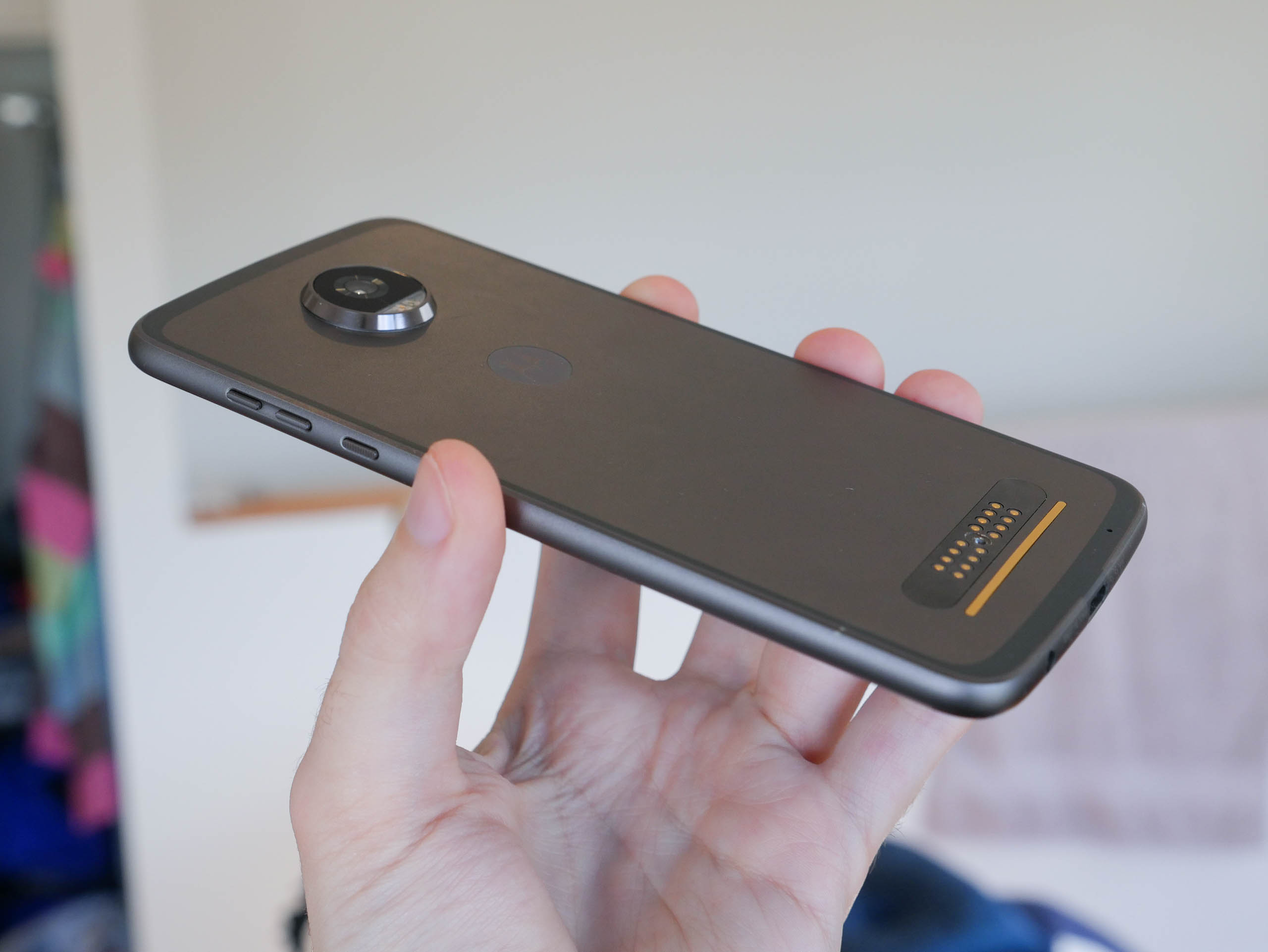 MotorolaMotoZ2Play