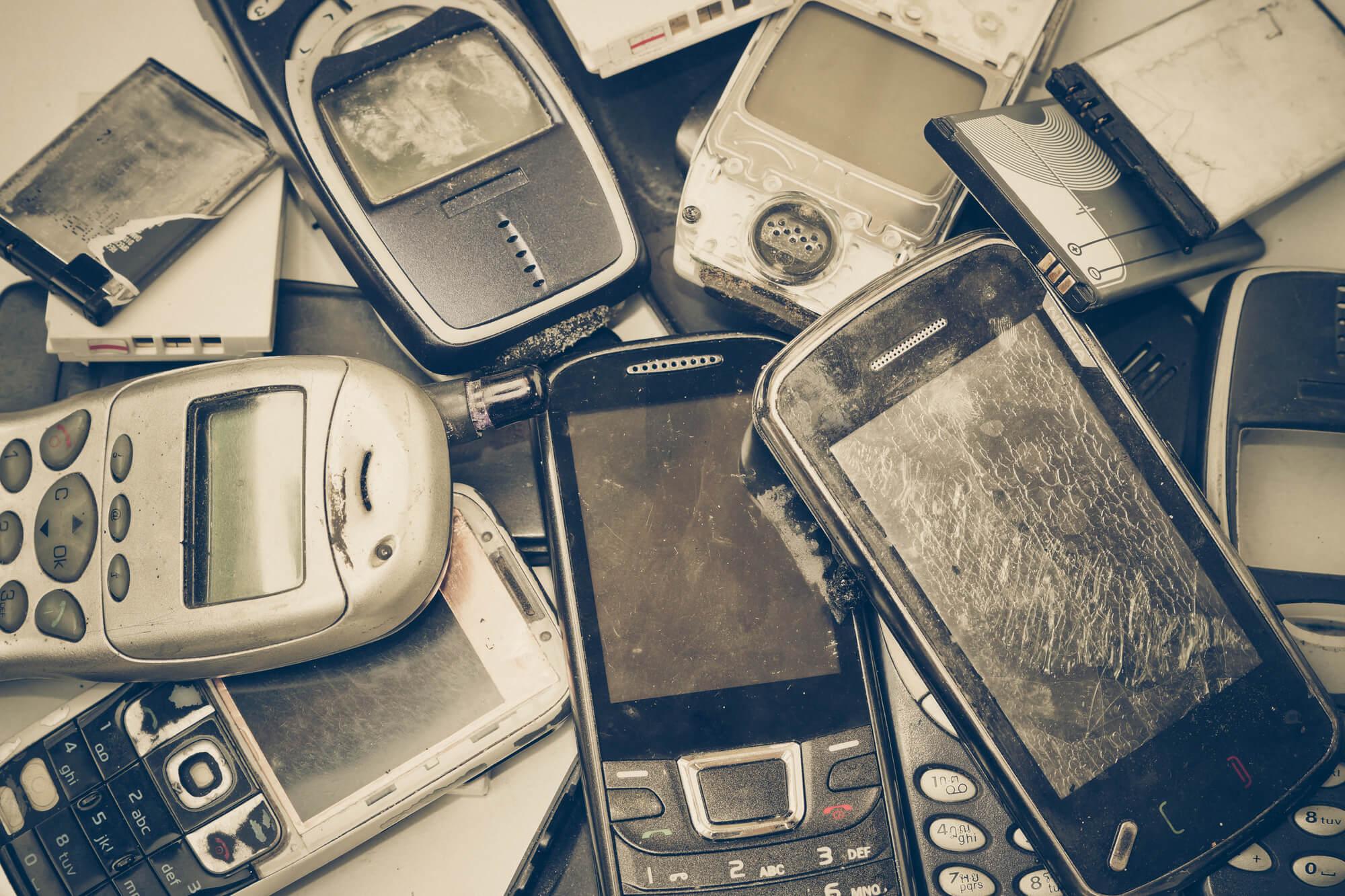 """Что такое """"серые"""" смартфоны"""