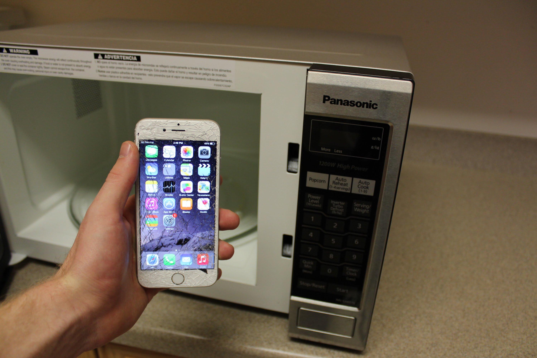 Класть устройство в микроволновую печь
