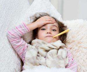 Ребёнок чаще начинает болеть простудами