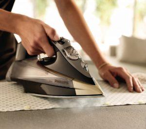 Хороший утюг весит от 1,5-2 килограмма