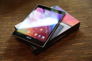 Топовые планшеты весят 700 граммов